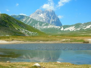"""Gran sasso italia"". Licensed under CC BY-SA 3.0 via Commons - https://commons.wikimedia.org/wiki/File:Gran_sasso_italia.jpg#/media/File:Gran_sasso_italia.jpg"